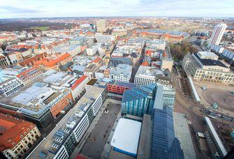 Blick über Leipzig, im Vordergrund der Campus Augustusplatz der Universität.