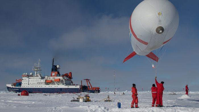 """BELUGA-Vorgängermodell in der Arktis während der Expedition PS 106.1 im Rahmen des Sonderforschungsbereiches """"Arctic Climate Change"""" (AC)³ im Jahr 2017."""