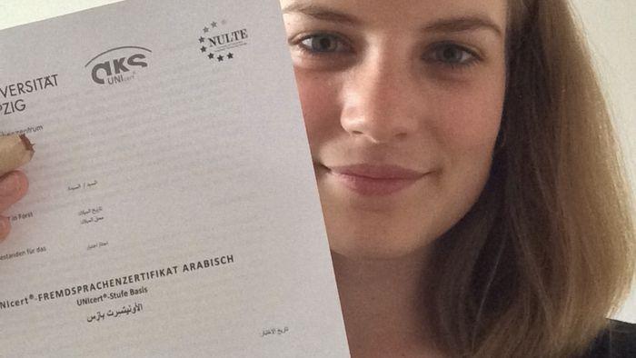 Auch Marie wurde das UNIcert-Zertifikate für Arabisch verliehen. Sie studiert das Lehramtserweiterungsfach Deutsch als Zweitsprache.