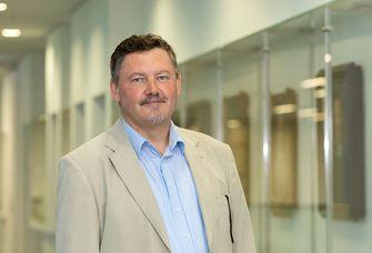 Juniorprof. Dr. Sven Hofmann, Inhaber der Professur für Didaktik der Informatik.