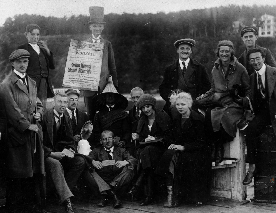 Students during an excursion in around 1924. Photo: Universitätsarchiv Leipzig