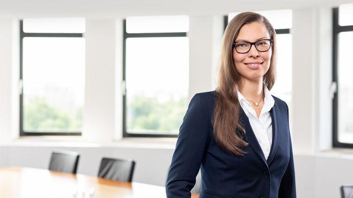 Bild von Ex-Deutschlandstipendiatin Stefanie Weinberg, die sich heute für das Förderprogramm engagiert
