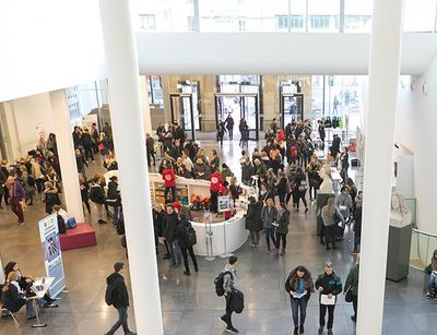 Lots of visitors to Leipzig University's open day inside the Paulinum