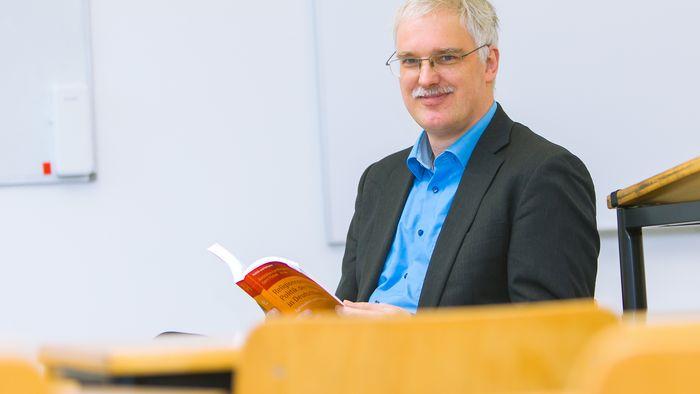 Prof. Dr. Gert Pickel.