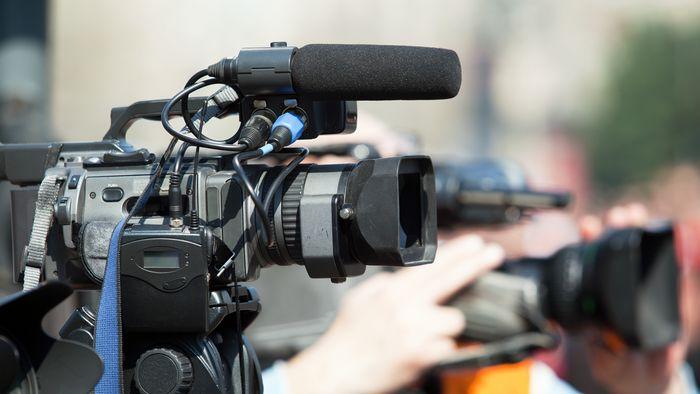 """""""Wir beobachten bei Krisen häufig das Phänomen, dass die großen Medien ihre Funktionen der Machtkritik und der Gewährleistung von Meinungsvielfalt und demokratischem Diskurs vernachlässigen"""", sagt Dr. Uwe Krüger."""
