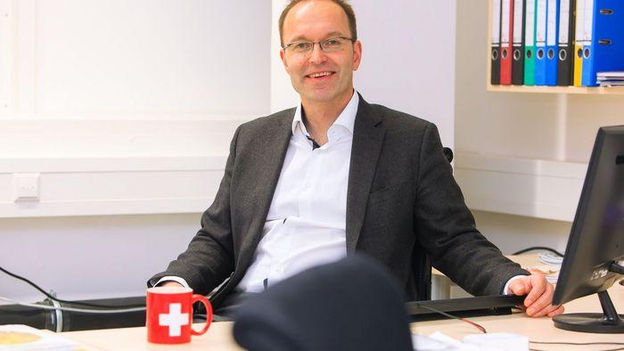 """Prof. Dr. Knut Asmis ist designierter Sprecher des Graduiertenkollegs """"Wasserstoffisotope: 1,2,3H""""."""