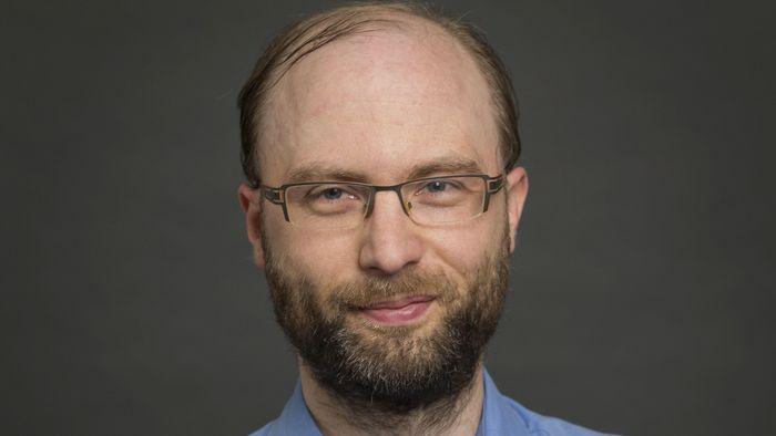 Das Bild zeigt Prof. Dr. Markus Scholz.