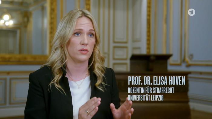 Prof. Dr. Elisa Hoven in der ARD-Dokumentation.